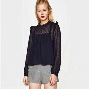 Dotted Mesh flowy top size S (Zara)